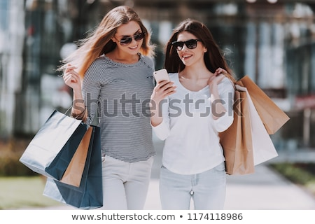 compras · hermosa · sonriendo · mujer · nina - foto stock © photography33