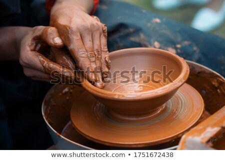 mâini · lucru · nou · oală · muncă · artă - imagine de stoc © oleksandro