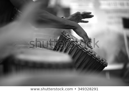 Femenino jugando tambores batería tambor Foto stock © sumners