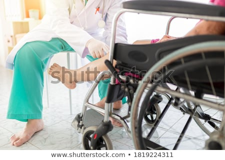 женщины · пациент · ходьбе · коридор · больницу · медицинской - Сток-фото © photography33