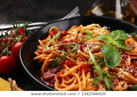 pasta · tomatensaus · olijven · plaat · voedsel · groene - stockfoto © doupix