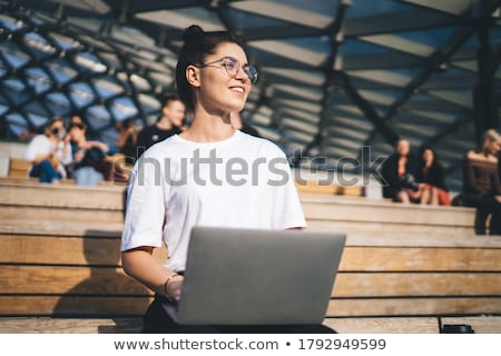 Vrouw bank stad stijlvol jong meisje vergadering Stockfoto © Kor