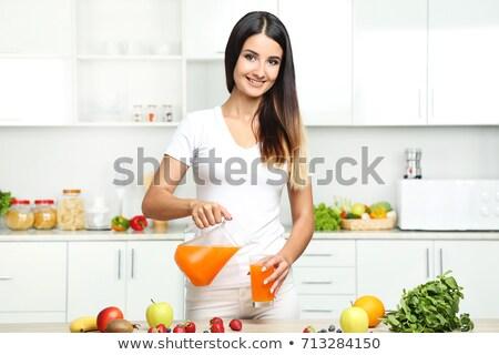nő · önt · narancslé · kéz · üveg · narancs - stock fotó © dash