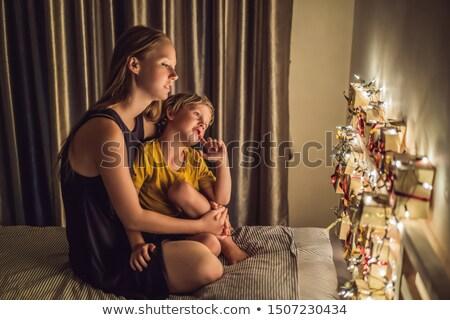 Anya fiú néz advent naptár papír Stock fotó © galitskaya