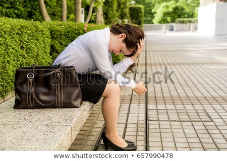落ち込んで · 女性実業家 · 肖像 · 小さな · 手 · 額 - ストックフォト © photography33