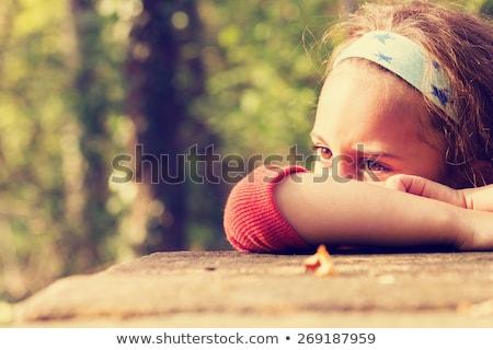 Peu grincheux fille yeux enfant croix Photo stock © photography33