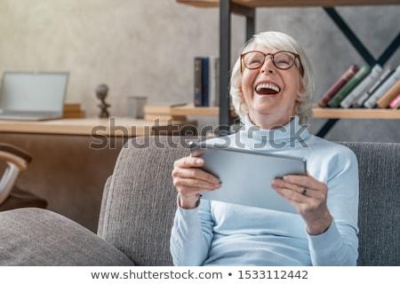 positief · oude · vrouw · portret · gelukkig · geïsoleerd · witte - stockfoto © kurhan