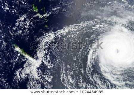globale · catastrofe · symbolisch · frame · gebarsten · vallen - stockfoto © iqoncept