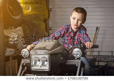 мальчика · пустыне · дороги · кавказский · Постоянный - Сток-фото © oleksandro