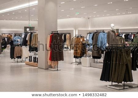 Odzież sklepu działalności piętrze rynku Zdjęcia stock © bmonteny