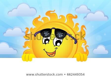 güneş · güneş · gözlüğü · el · göz · yüz · yaz - stok fotoğraf © clairev