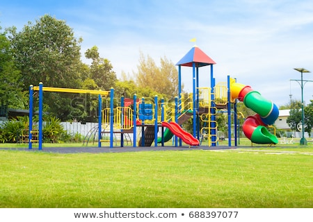 赤 · 遊び場 · スライド · 空っぽ · 木材 · 夏 - ストックフォト © carenas1