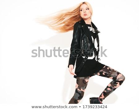 Sexy springen blonde vrouw Stockfoto © arturkurjan