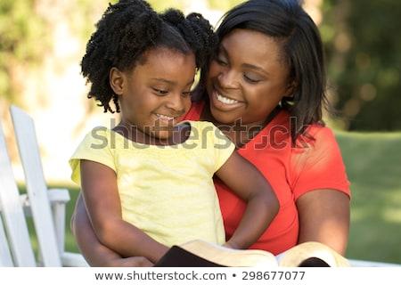 матери · говорить · дочь · контрацепция · девушки - Сток-фото © is2