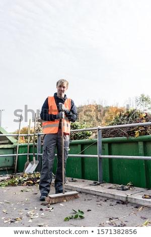 Homme étage recyclage centre déchets vert Photo stock © Kzenon