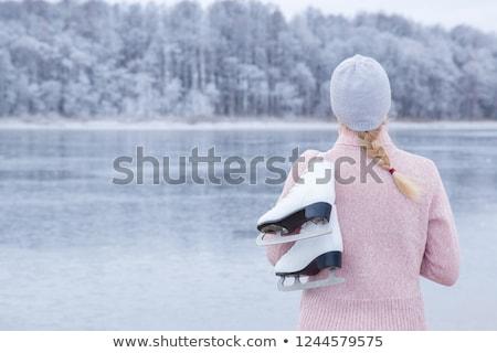 patinaje · joven · congelado · río · deporte · nieve - foto stock © mikdam