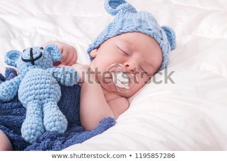 Pasgeboren baby fopspeen slapen witte deken Stockfoto © Kuzeytac