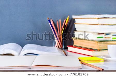 crayon · table · éducation · lecture - photo stock © reicaden