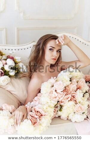 Blond dame classique coiffure femme visage Photo stock © konradbak