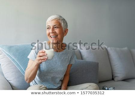 idős · nő · iszik · tej · boldog · otthon - stock fotó © szefei