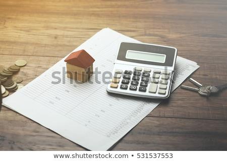 Foto stock: Venta · casa · calculadora · casa · financiar · datos