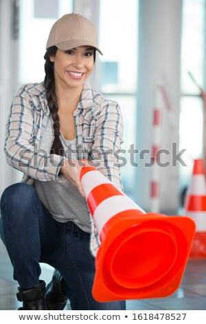 肖像 · 若い女性 · ボード · オフ · 紙 · 笑顔 - ストックフォト © photography33