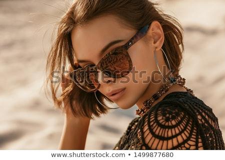 aantrekkelijk · dame · poseren · strand · sensueel · mooie - stockfoto © oleanderstudio