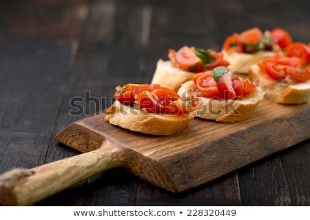 Tapas bruschetta bacon legumes presunto pão com alho Foto stock © zhekos