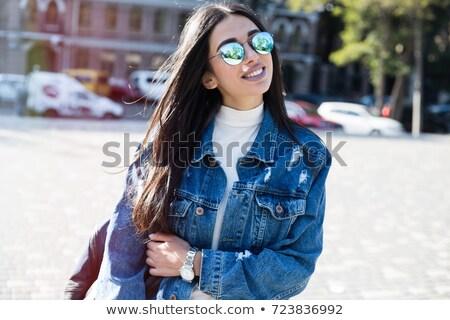 Vrouw modieus zonnebril houten meisje Stockfoto © majdansky