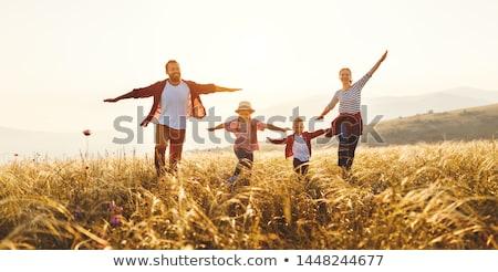 saltar · família · quatro · céu · mulher · menina - foto stock © Paha_L