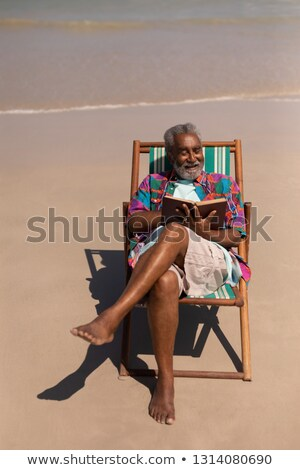 Ver senior homem relaxante sol Foto stock © wavebreak_media