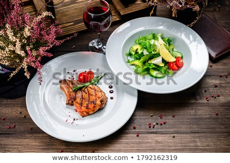 Biefstuk vers vlees verse groenten eettafel Stockfoto © ElenaBatkova