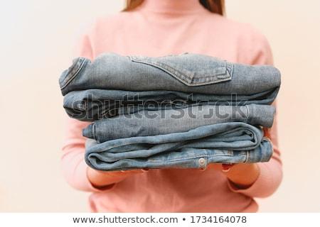 Jovem lojista mulher jeans Foto stock © dashapetrenko