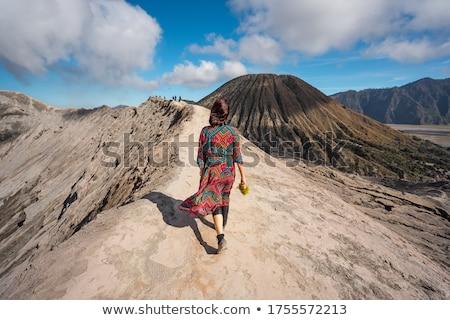 Cratera Indonésia ativo vulcão java Foto stock © vichie81