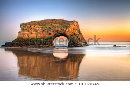 doğal · köprüler · plaj · kaya · oluşumu · gökyüzü · su - stok fotoğraf © wolterk