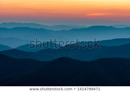 Piękna widoku popularny niebieski górskich niebo Zdjęcia stock © meinzahn
