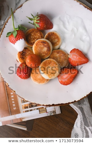 túró · palacsinták · méz · áfonya · fehér · reggeli - stock fotó © tycoon