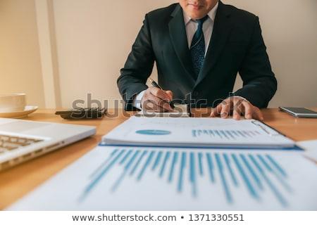 Geschäftsmann · arbeiten · Büro · Laptop · Tablet · Grafik - stock foto © snowing
