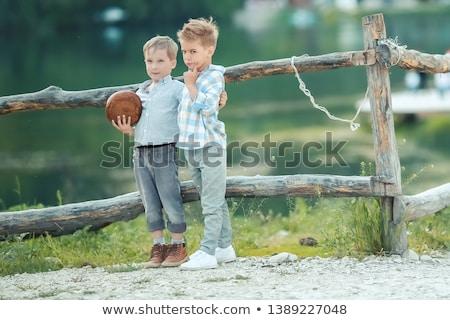 男の子 · スタンド · 木製 · フェンス · 食品 · 子供 - ストックフォト © ElenaBatkova