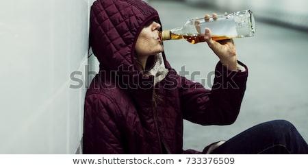 triste · bêbado · sem · casa · mulher · sessão - foto stock © smithore