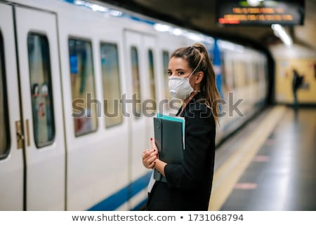 Metra pociągu miasta Zdjęcia stock © stevanovicigor
