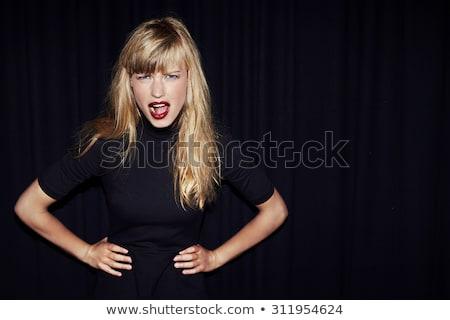 kobieta · postawa · portret · dość · młoda · kobieta · stałego - zdjęcia stock © iofoto