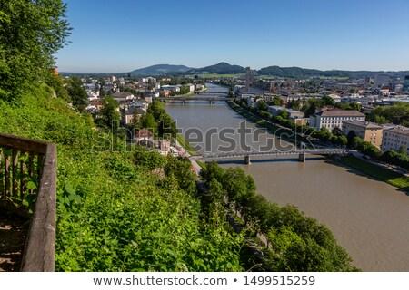 folyó · város · centrum · Ausztria · gyalogosok · kereszt - stock fotó © sarahdoow
