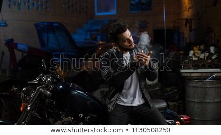 Retro maschio illuminazione sigaretta adulto Foto d'archivio © iofoto