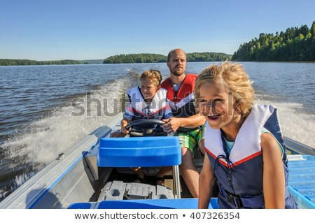 Stok fotoğraf: Aile · tekne · göl · kız · çocuklar · çocuklar