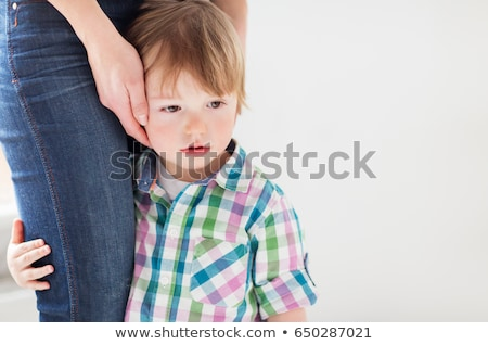 матери · целоваться · ребенка · поцелуй · улыбаясь - Сток-фото © is2