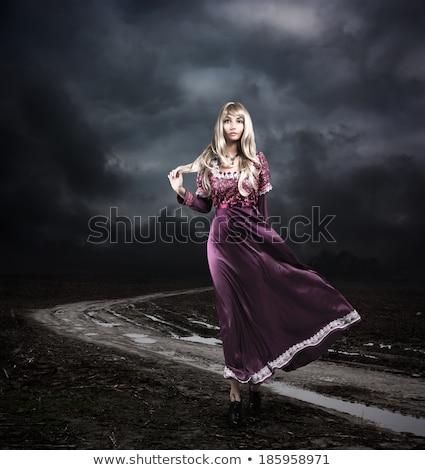 Bela mulher histórico vestuário sessão abandonado estação de trem Foto stock © dariazu