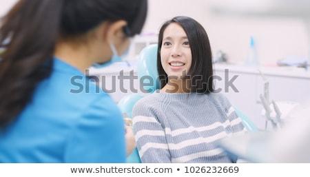 女性 患者 話し 歯科 歯科 クリニック ストックフォト © dolgachov