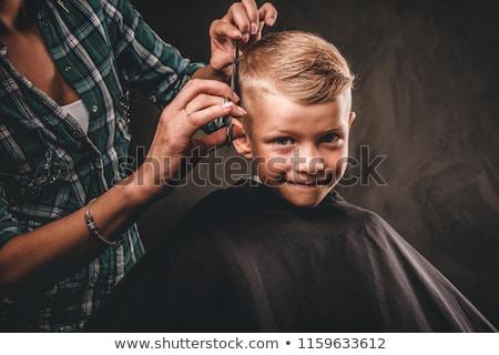 Giovani bello barbiere lavoro moda lavoro Foto d'archivio © Elnur