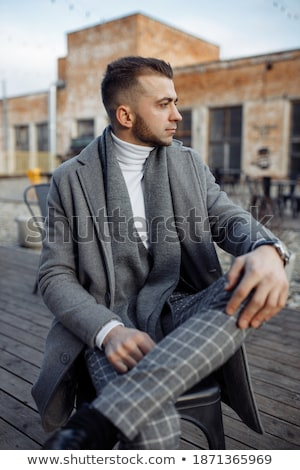 肖像 好奇心の強い ビジネスマン 見える サイド 思考 ストックフォト © feedough